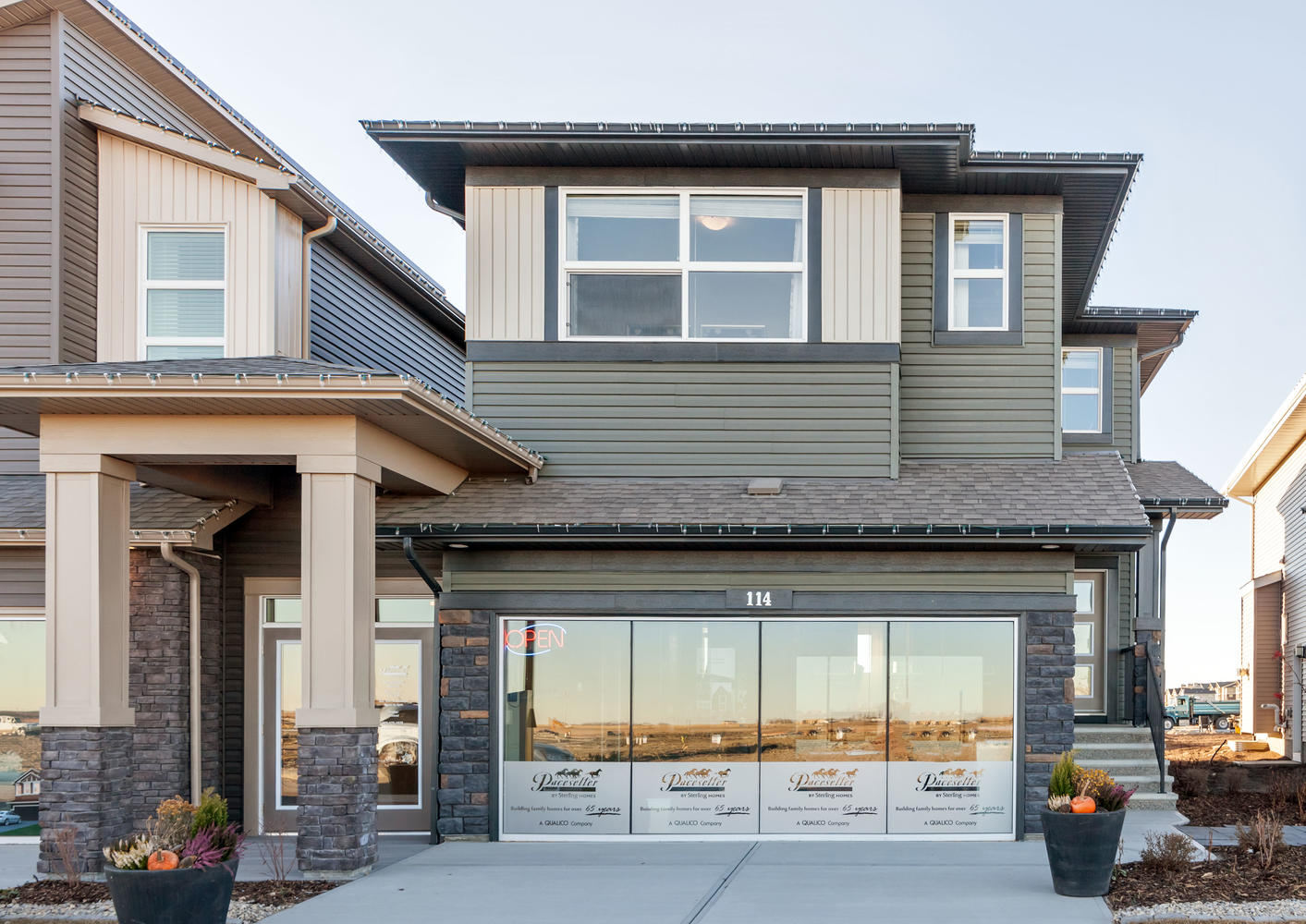the garage and front entrance on a pacesetter front drive show home.