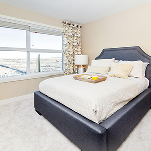 pacesetter front drive home model master bedroom with views